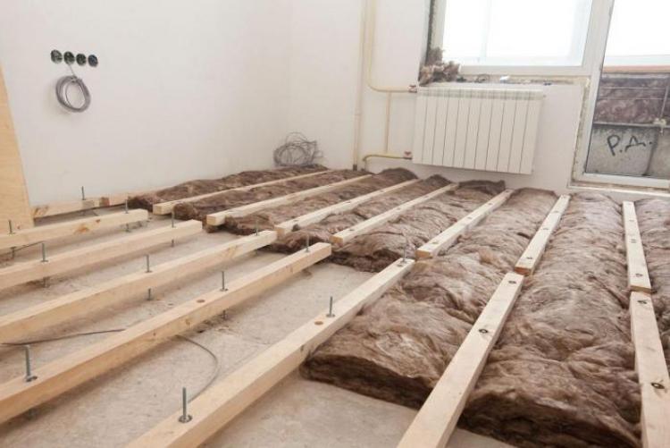Установка деревянных лаг