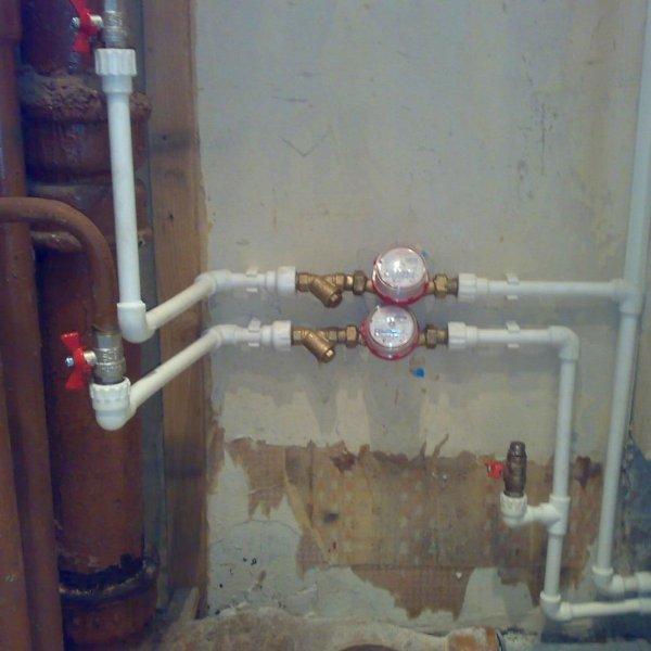 Самостоятельный монтаж водопровода из полипропиленовых труб можно сделать