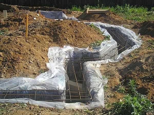 Фундамент без опалубки — рискованная затея