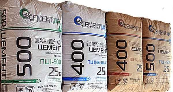Марка цемента для фундамента дома обычно M400 или M500
