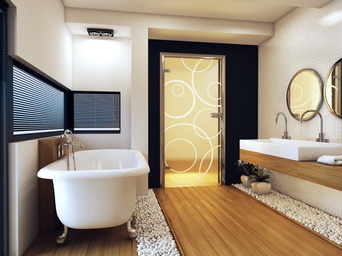 Дверь в ванную из стекла