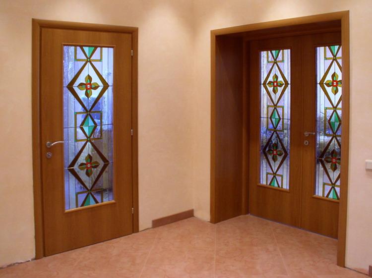Межкомнатные двери в готичном стиле