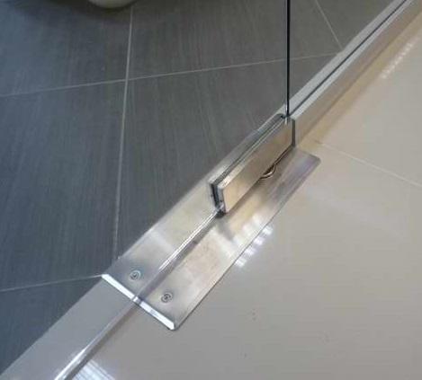 Скрытые петли для монтажа стеклянной двери