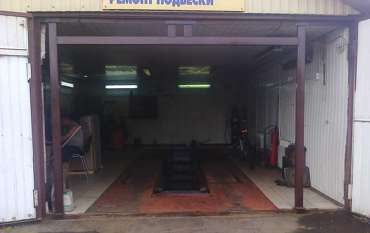 Установка секционных ворот в металлический гараж