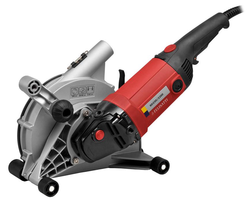 Штроборез — дорогое, но эффективное устройство которое облегчает и ускоряет штробление стен под проводку