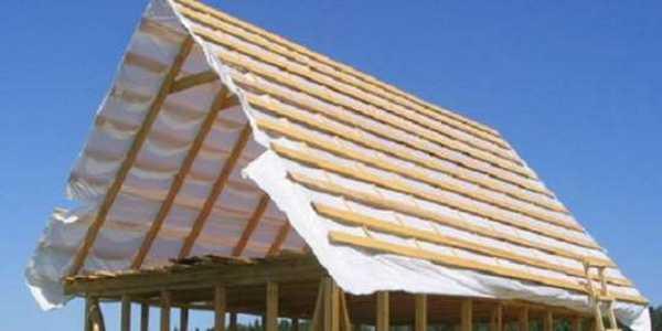 Собранная двухскатная крыша своими руками готова под монтаж кровельного покрытия