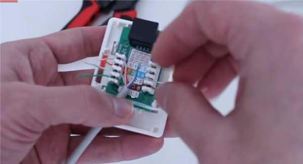 Восемь проводников подключают по схеме «В»