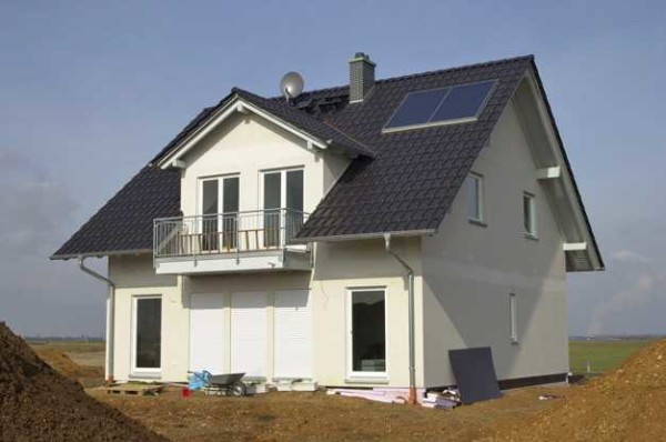 Слуховое окно тоже можно превратить в небольшой балкон