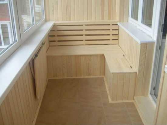 Не совсем шкаф — сиденье с ящиком внизу