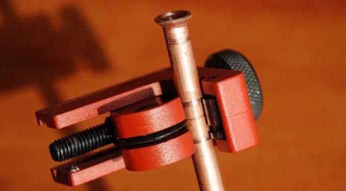 Медные трубы нужны специальные, с толстой стенкой, бесшовные из мягкой меди