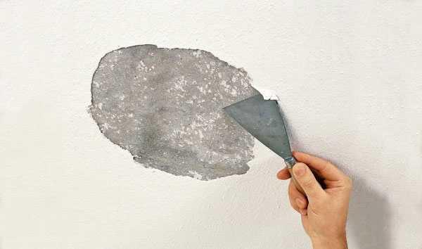 Удаление старой краски — длительный процесс