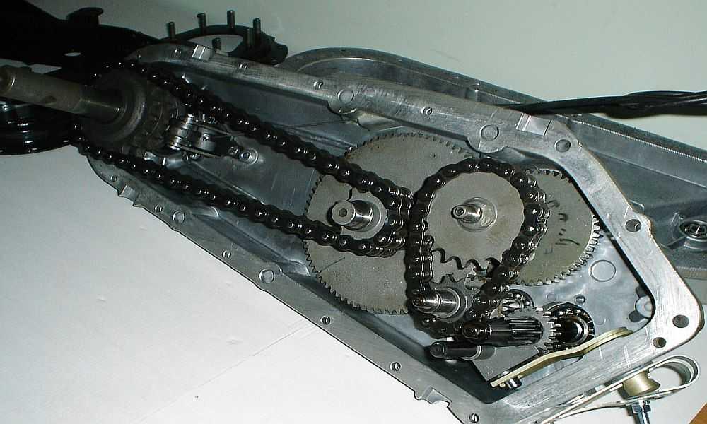 Цепной редуктор мотоблока очень шумный, но легок в ремонте