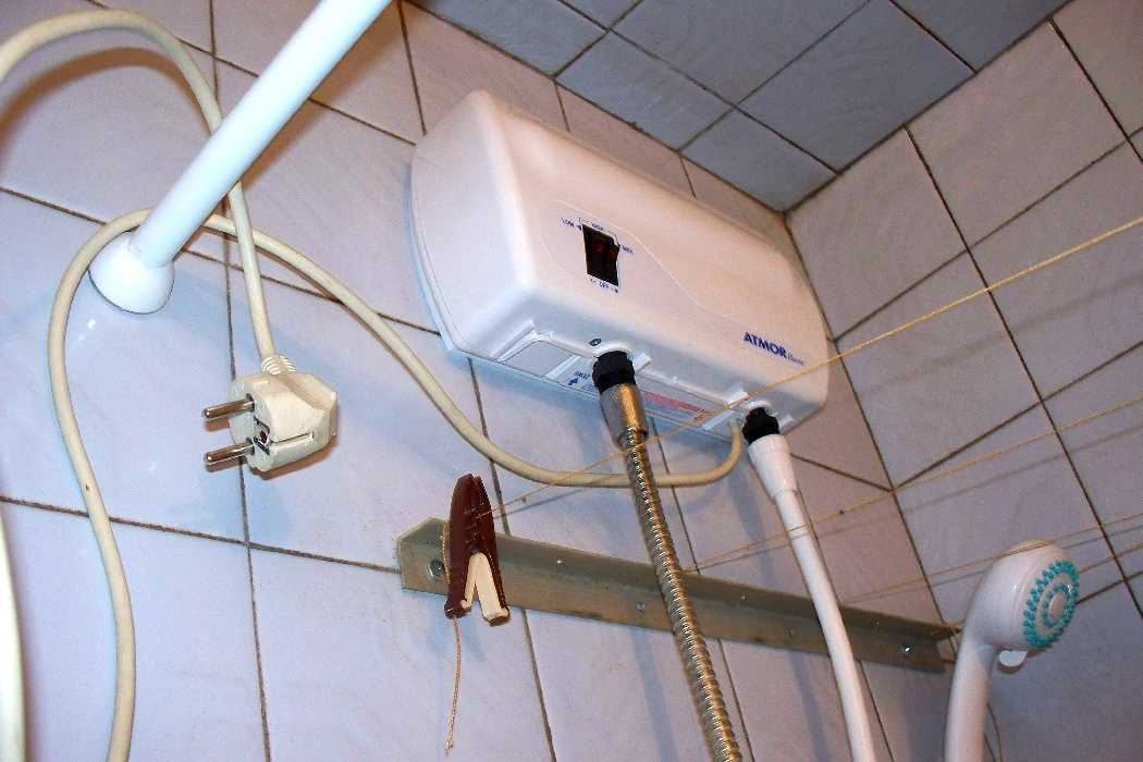 Установка проточного водонагревателя в душе