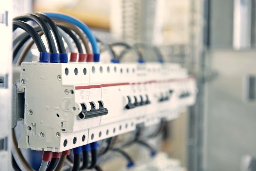 Дифавтомат в трехфазной электрической сети