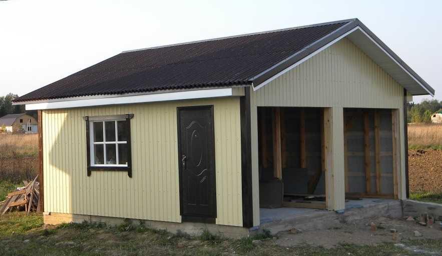 Как построить гараж своими руками: осталось установить ворота и произвести утепление