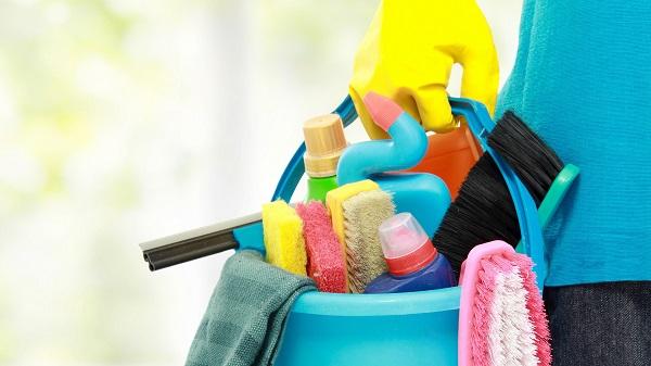 средства для мытья натяжного матового потолка