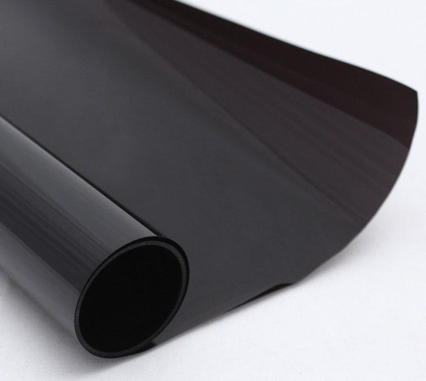 При изготовлении тонировочной плёнки используется полиэстер, который существенно улучшает прочностные и эластичные характеристики материала