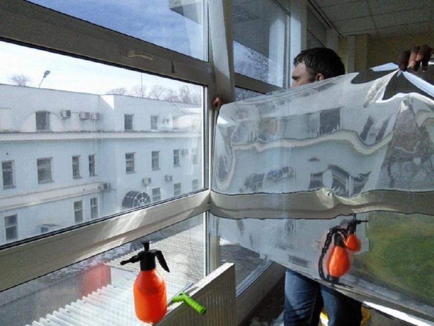 Уровень влажности при монтаже фольги не должен превышать 80% и быть ниже 20%